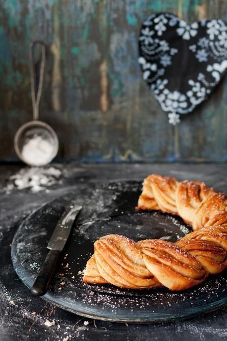 Pulla Bread: