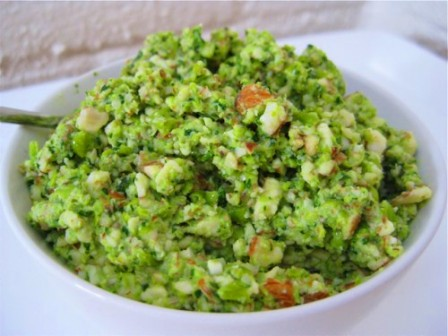 Raw-Green-Pea-and-Almond-Dip:
