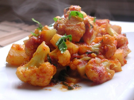 potato and cauliflower curry: